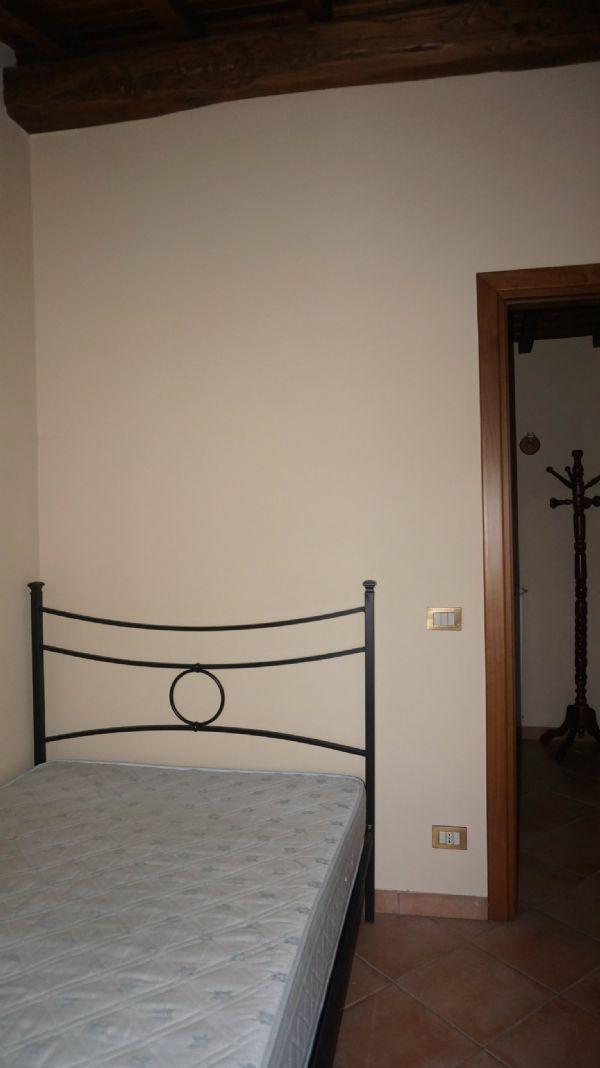 Bilocale Velletri Via Colle Vignato 5