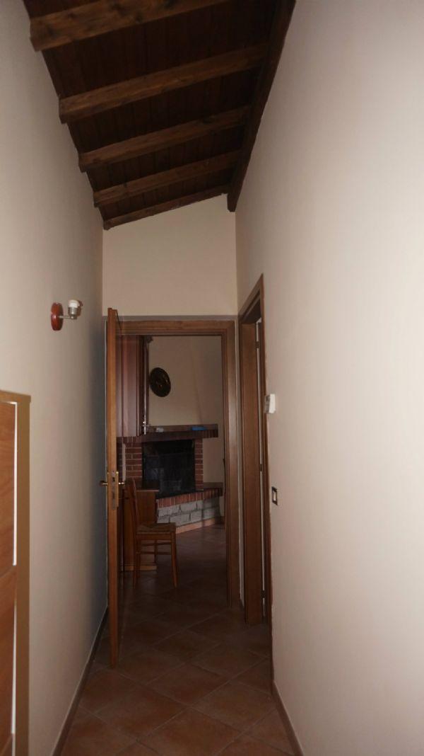 Bilocale Velletri Via Colle Vignato 6