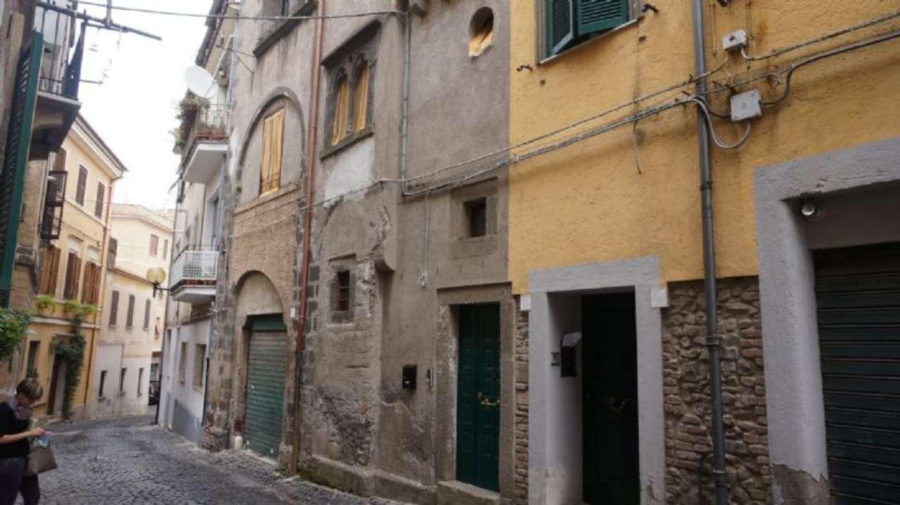 Bilocale Velletri Via San Salvatore 10
