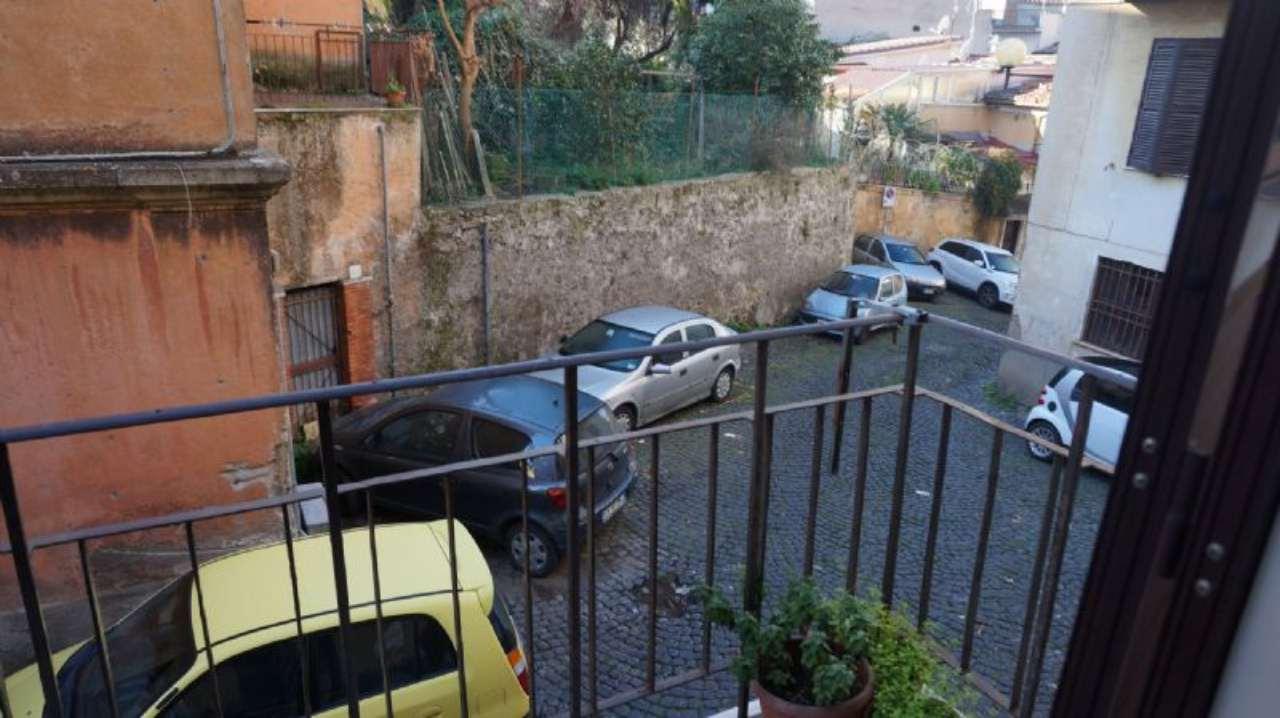 Bilocale Velletri Via Antonelli 10