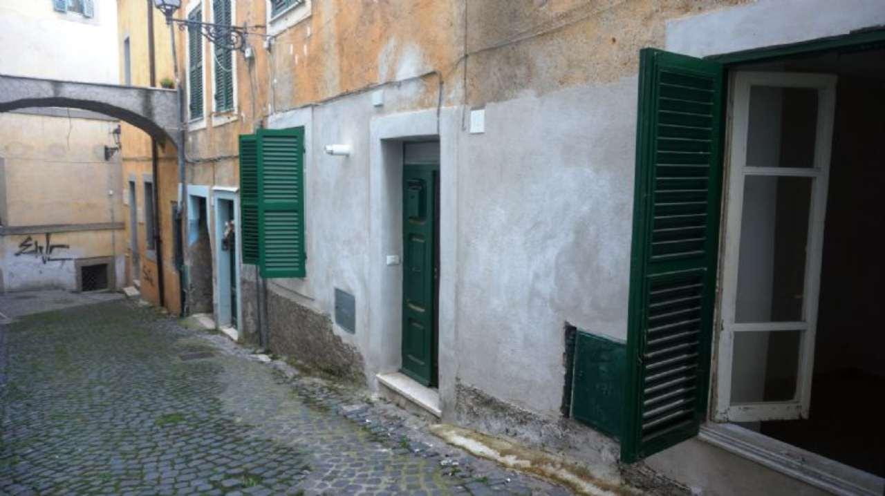Bilocale Velletri Vicolo Della Barcaccia 1