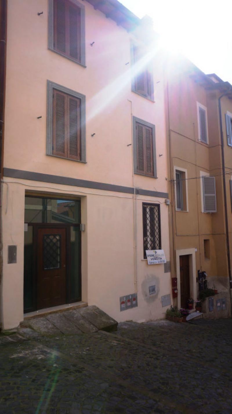 Bilocale Frascati Via Accoramboni 9