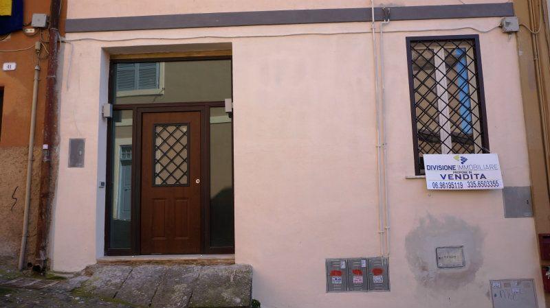 Bilocale Frascati Via Accoramboni 10