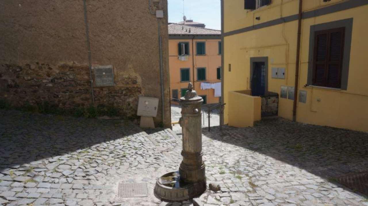 Bilocale Velletri Via Mancinelli 10