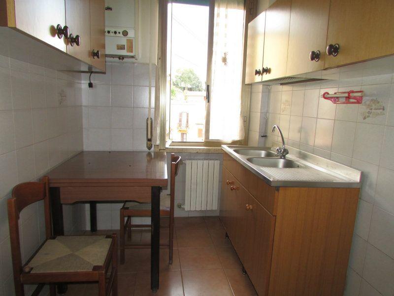Bilocale Velletri Via San Pietro 6
