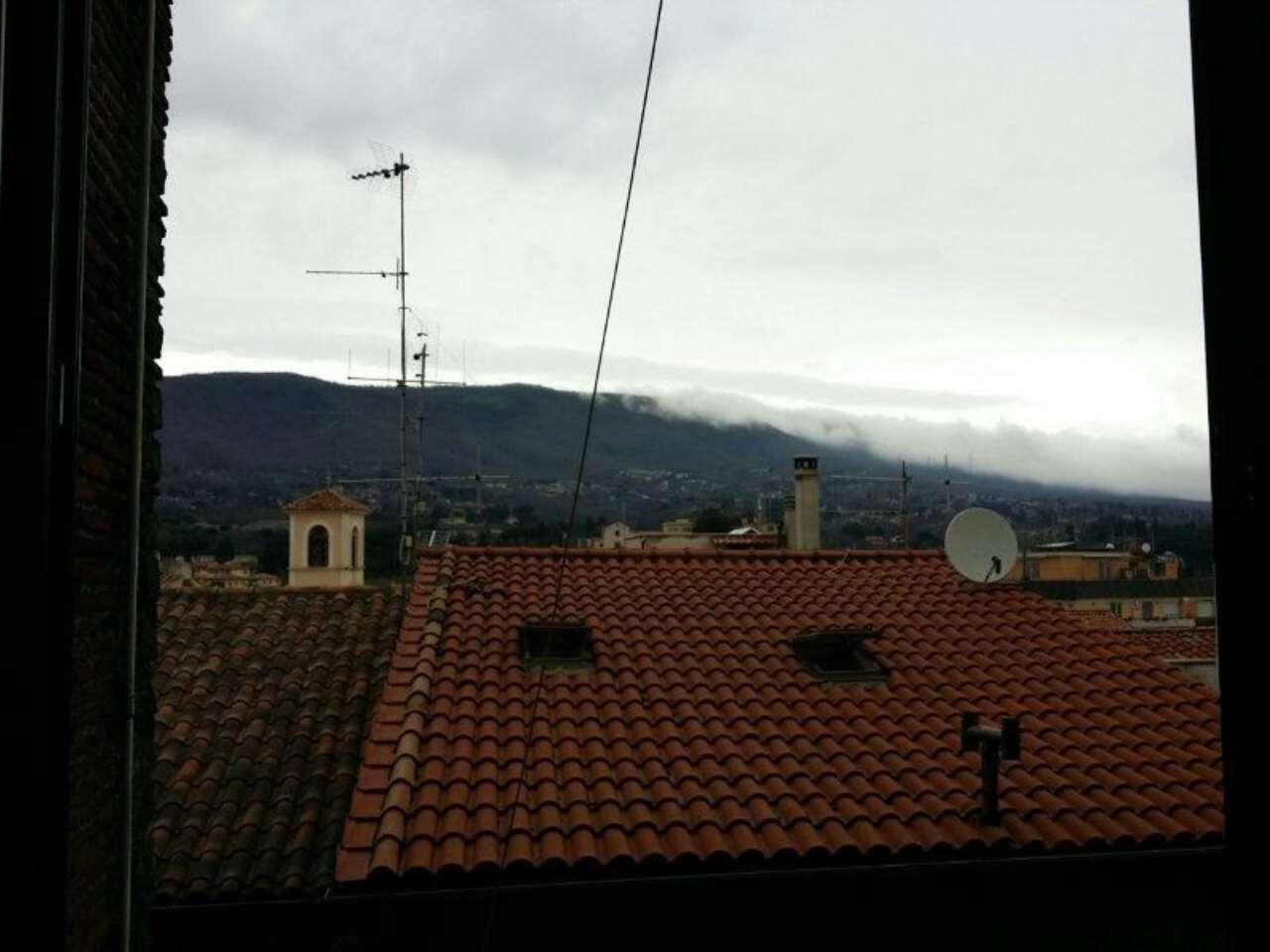 Bilocale Velletri Via Della Palma 10