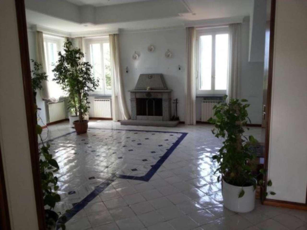 Villa in Vendita a Napoli