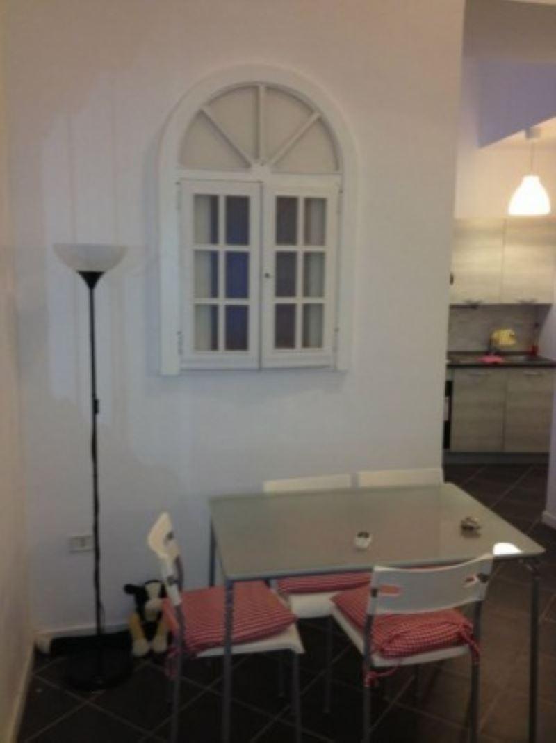 Loft / Openspace in vendita a Napoli, 2 locali, zona Zona: 1 . Chiaia, Posillipo, San Ferdinando, prezzo € 200.000 | Cambio Casa.it