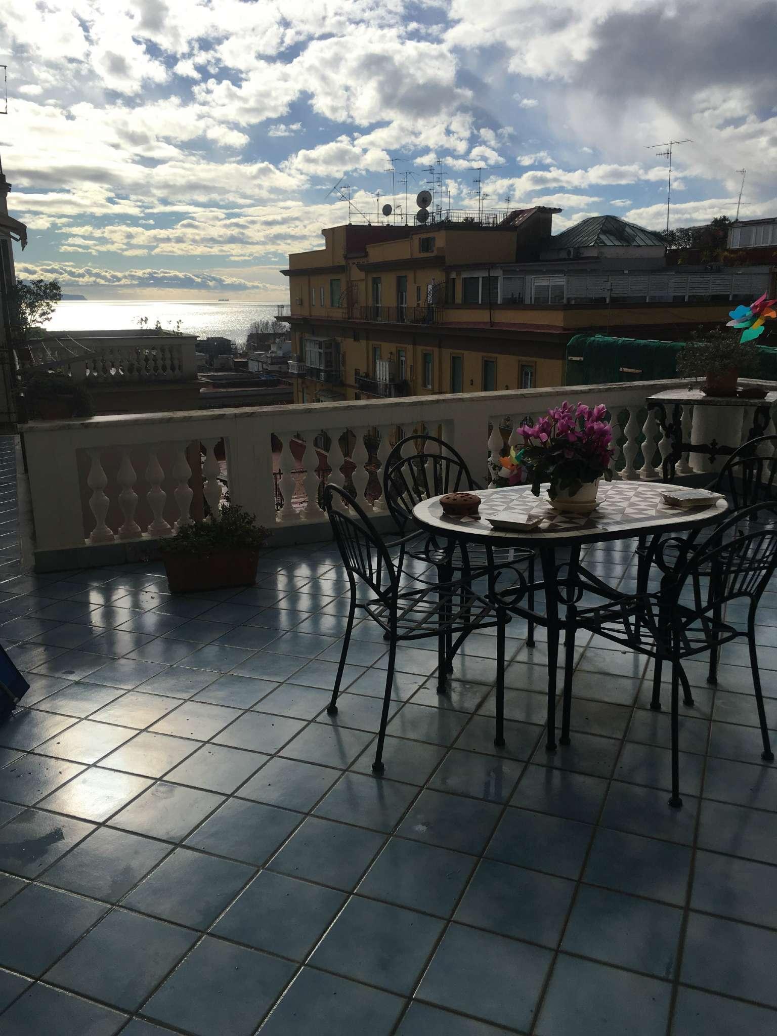 appartamento con doppi servizi a Napoli - Cambiocasa.it