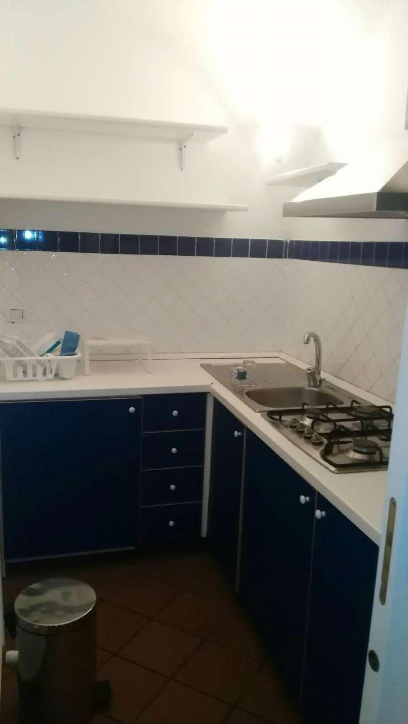 Appartamento in affitto a Napoli, 2 locali, zona Zona: 1 . Chiaia, Posillipo, San Ferdinando, prezzo € 670 | CambioCasa.it