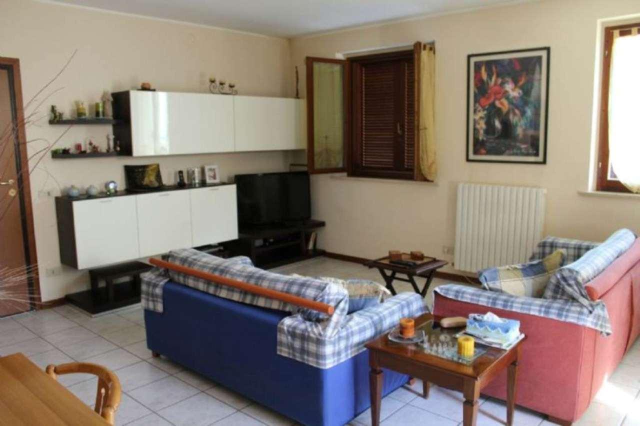 Appartamento in vendita a Montelabbate, 6 locali, prezzo € 155.000 | CambioCasa.it