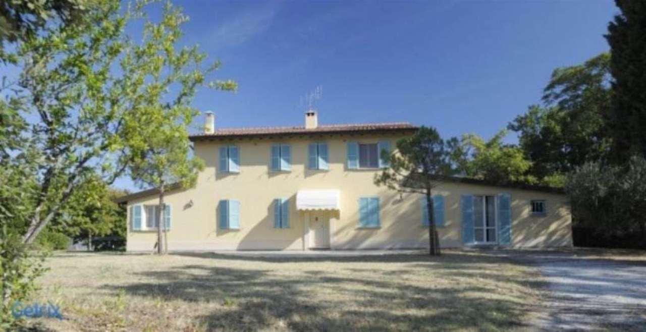 Rustico / Casale in vendita a Pesaro, 7 locali, prezzo € 850.000 | Cambio Casa.it