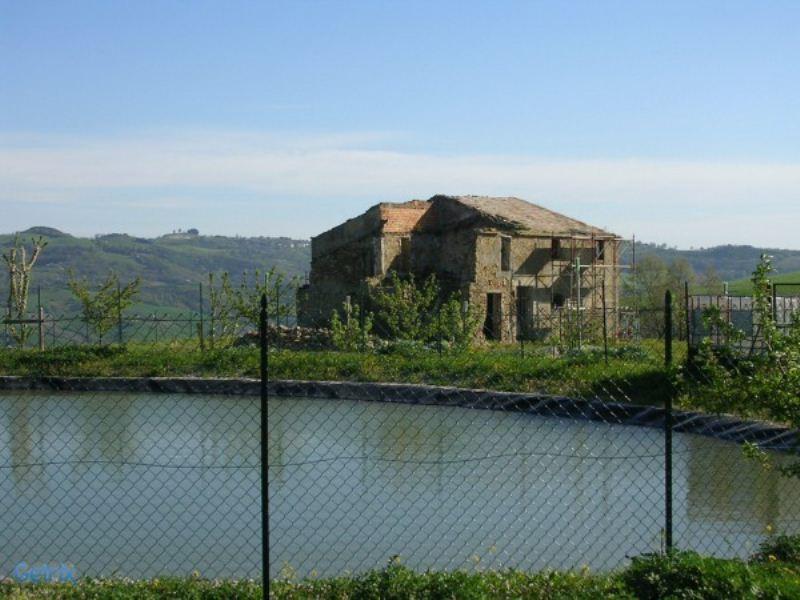 Rustico / Casale in vendita a Montecalvo in Foglia, 6 locali, prezzo € 120.000 | Cambio Casa.it