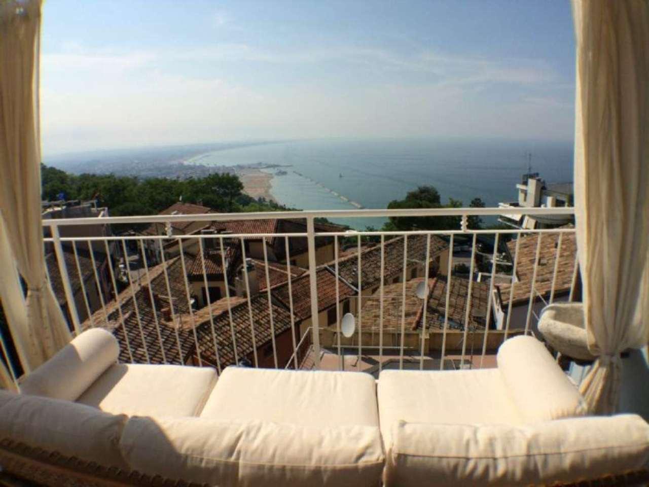 Palazzo / Stabile in vendita a Gabicce Mare, 6 locali, prezzo € 900.000 | Cambio Casa.it