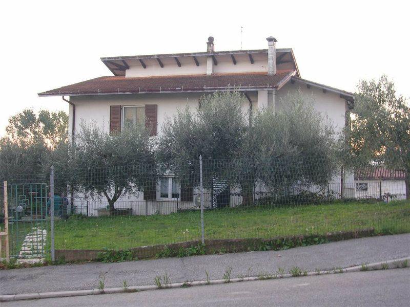 Soluzione Indipendente in vendita a Cattolica, 9 locali, prezzo € 700.000 | CambioCasa.it