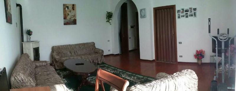Appartamento in vendita a Montecalvo in Foglia, 5 locali, prezzo € 150.000 | Cambio Casa.it