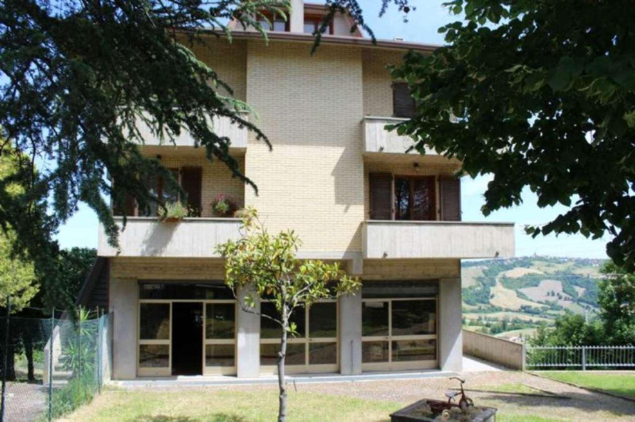 Soluzione Indipendente in vendita a Auditore, 17 locali, prezzo € 320.000 | Cambio Casa.it