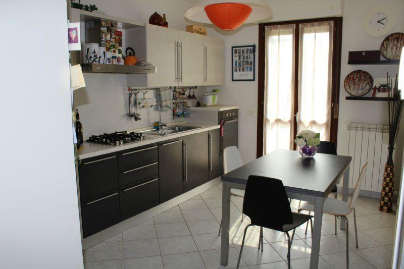 Appartamento in vendita a Montelabbate, 4 locali, prezzo € 120.000 | CambioCasa.it