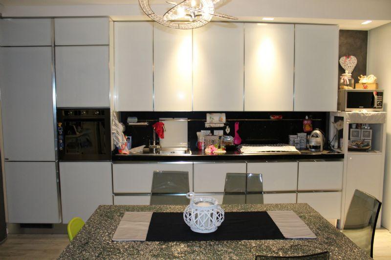 Appartamento in vendita a Vallefoglia, 6 locali, prezzo € 199.000 | Cambio Casa.it