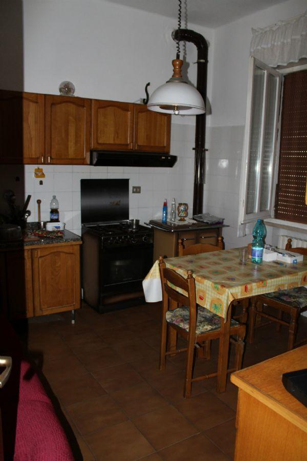 Soluzione Indipendente in vendita a Pesaro, 15 locali, prezzo € 270.000 | Cambio Casa.it