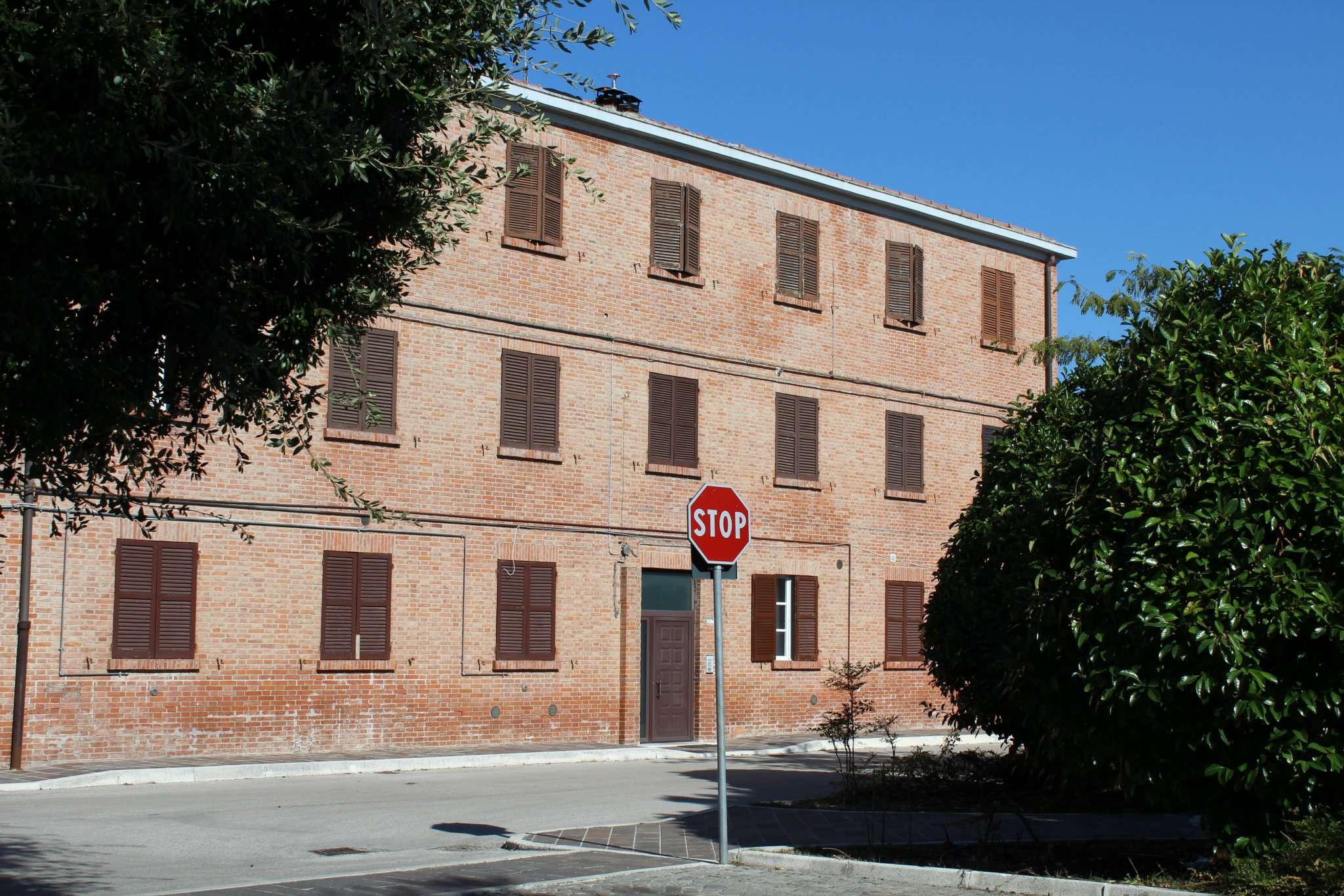 Appartamento in vendita a Tavullia, 5 locali, prezzo € 69.000 | CambioCasa.it
