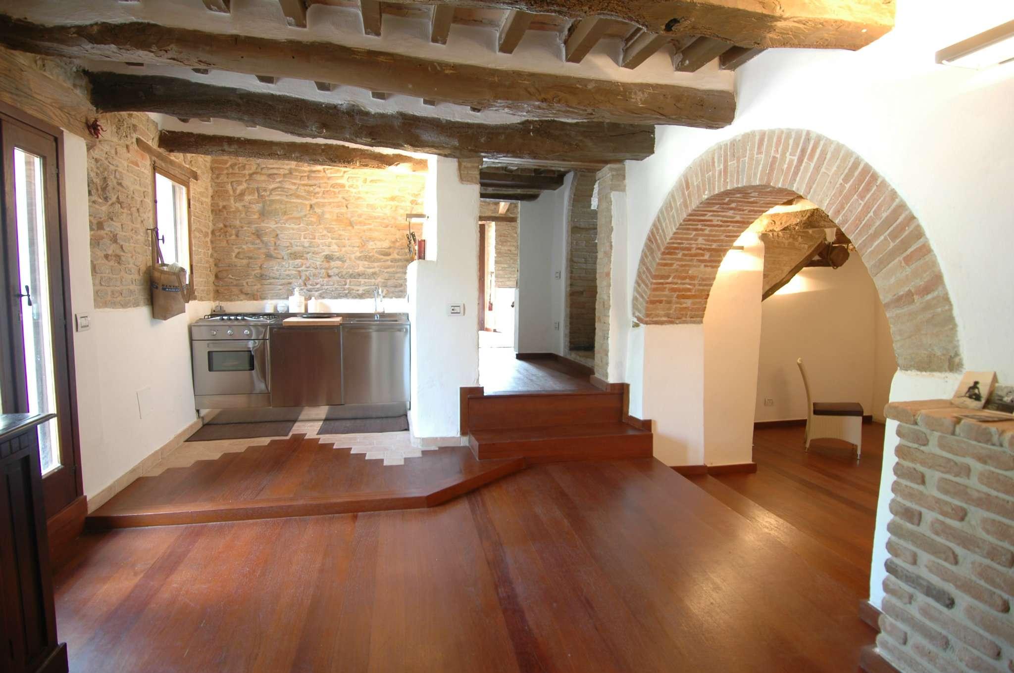 Altro in vendita a Vallefoglia, 15 locali, prezzo € 980.000 | CambioCasa.it
