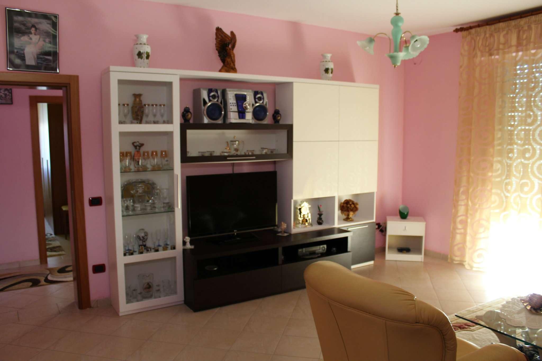 Appartamento in vendita a Tavullia, 4 locali, prezzo € 98.000 | CambioCasa.it