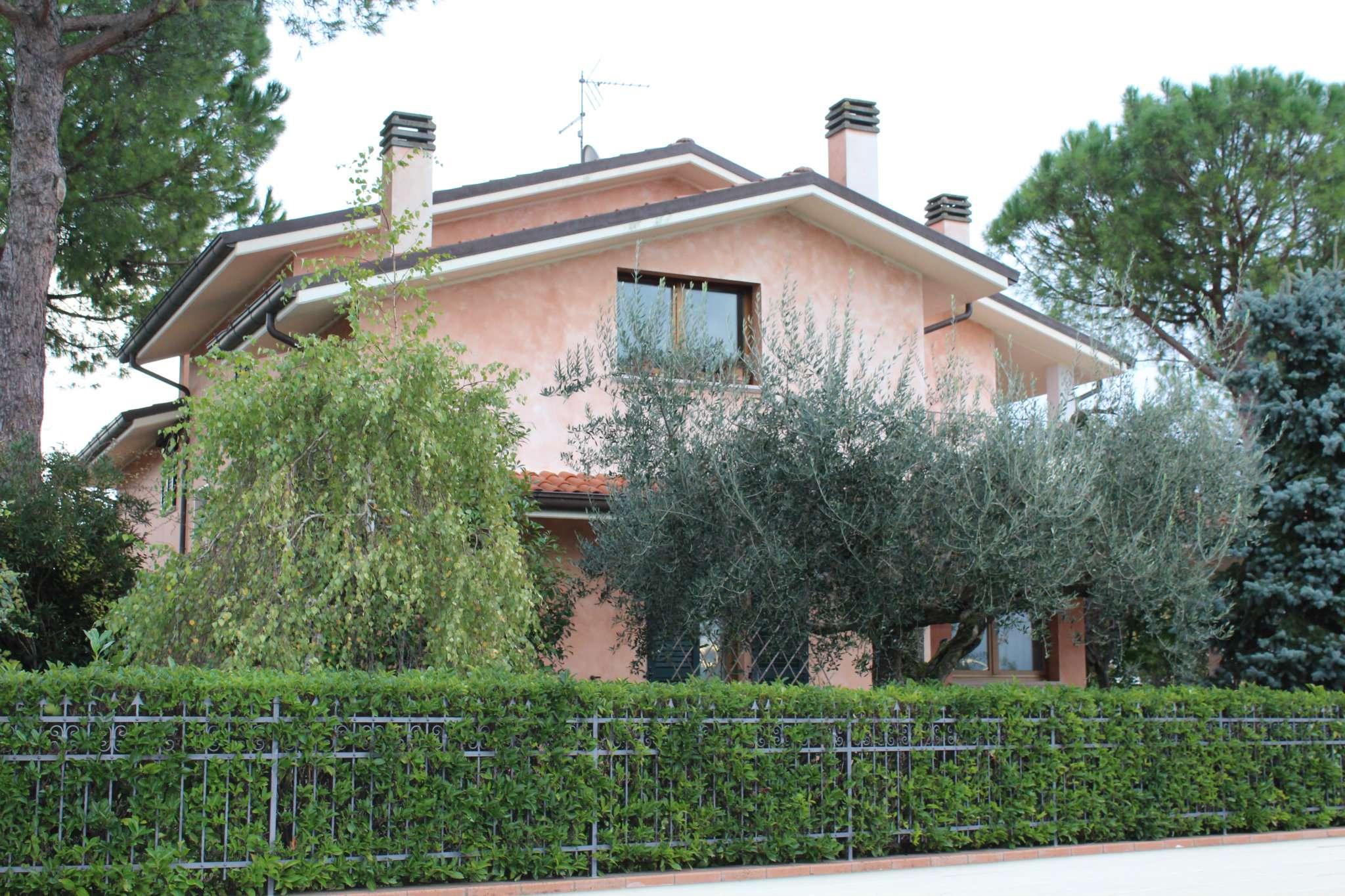 Villa in vendita a Vallefoglia, 12 locali, prezzo € 600.000 | Cambio Casa.it