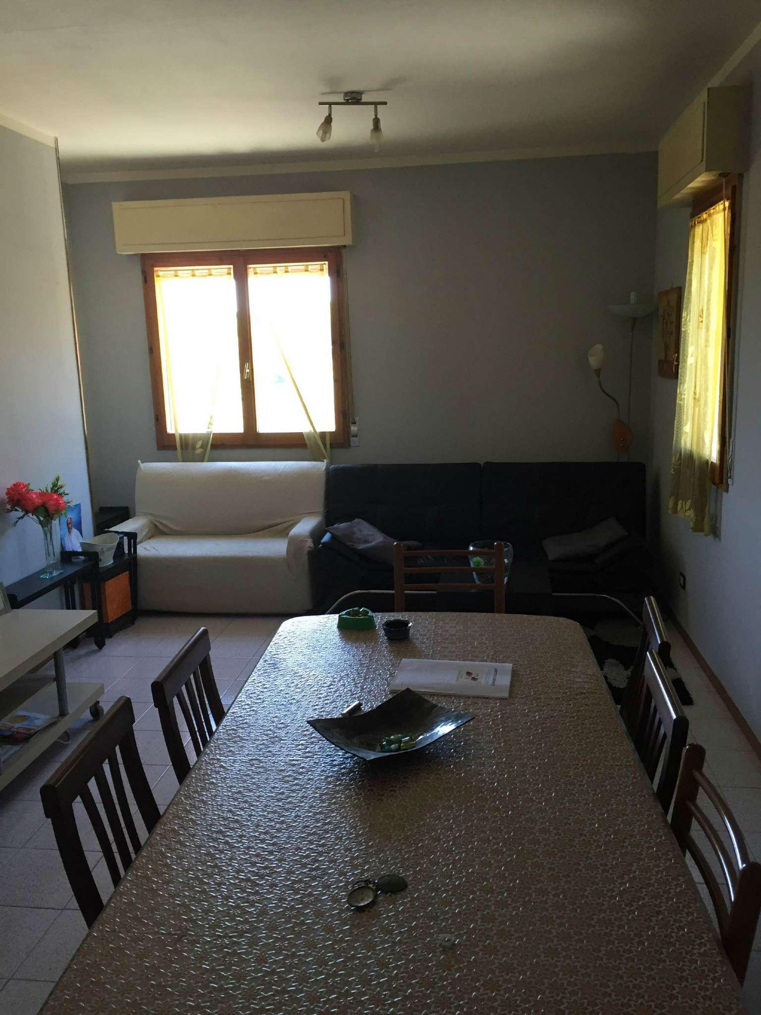 Appartamento in affitto a Vallefoglia, 4 locali, prezzo € 450 | Cambio Casa.it