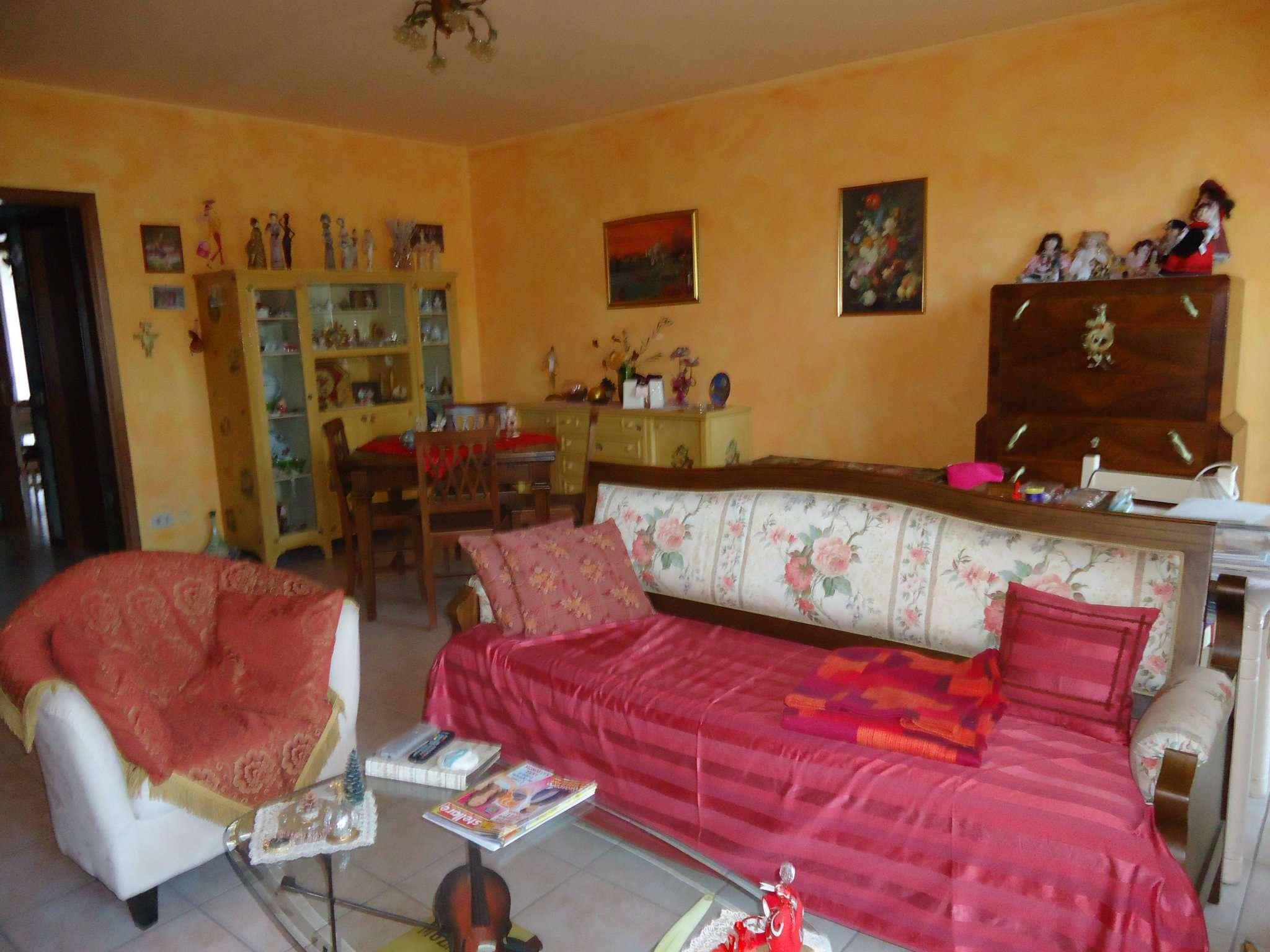 Appartamento in vendita a Montelabbate, 4 locali, prezzo € 143.000 | CambioCasa.it