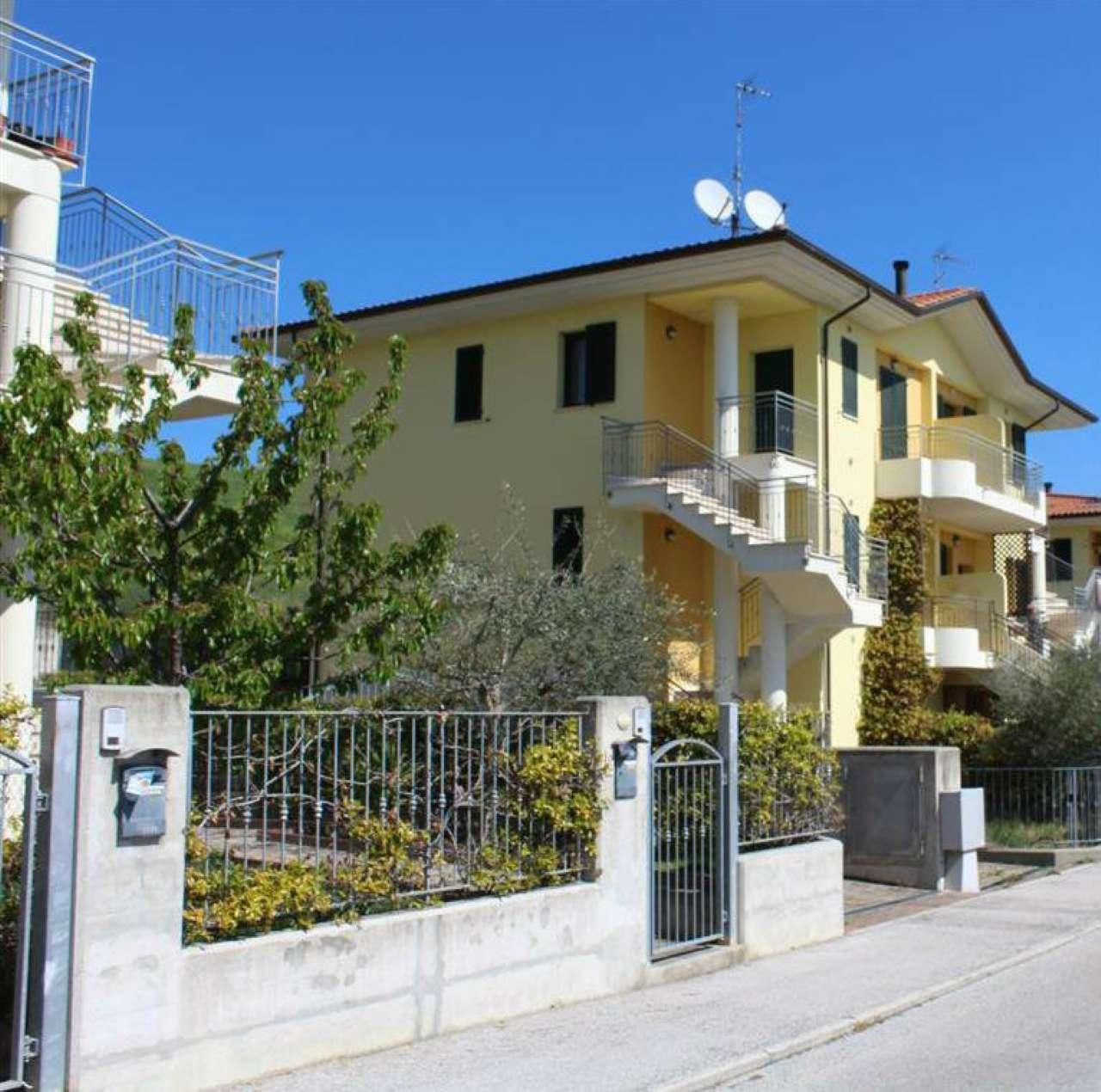 Appartamento in vendita a Tavullia, 3 locali, prezzo € 115.000 | CambioCasa.it