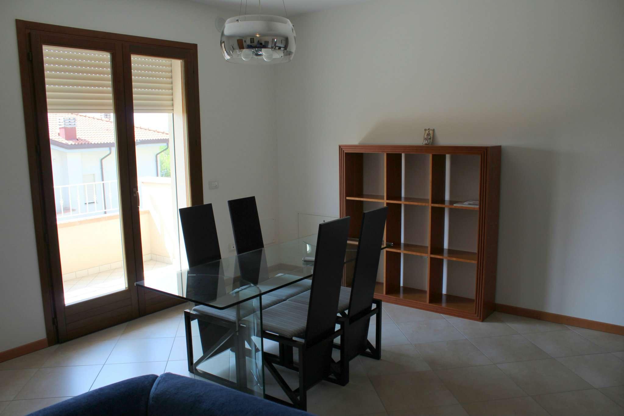 Appartamento in vendita a Tavullia, 4 locali, prezzo € 170.000   CambioCasa.it