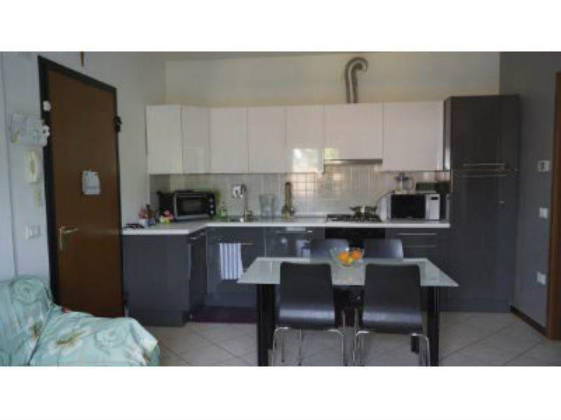 Appartamento in vendita a Tavullia, 3 locali, prezzo € 115.000 | Cambio Casa.it