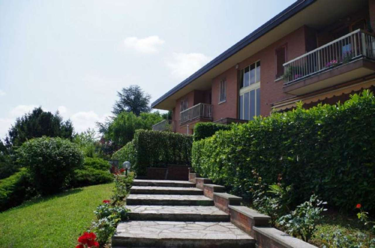 Appartamento in vendita a Pino Torinese, 8 locali, prezzo € 500.000 | Cambio Casa.it
