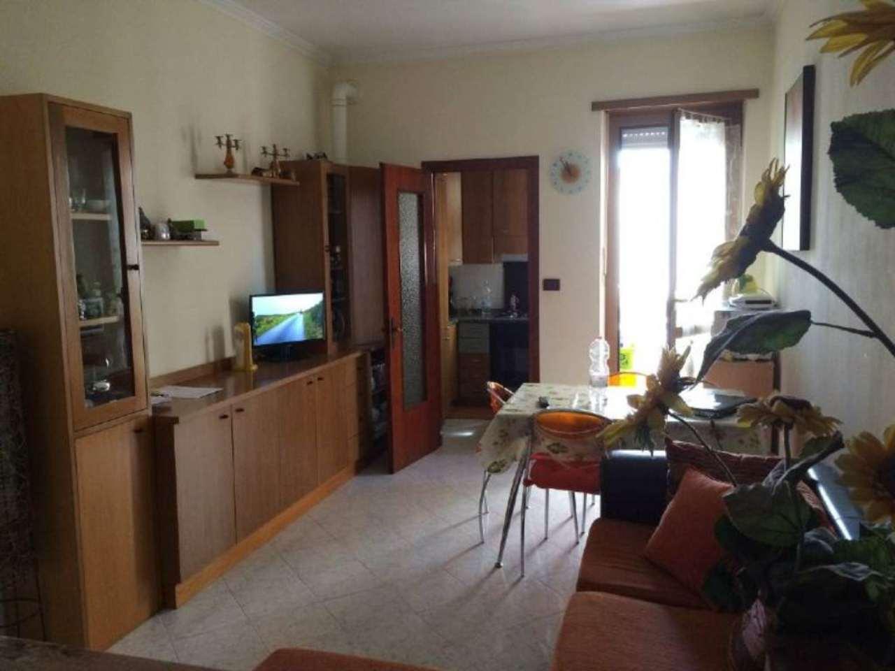 Bilocale Torino Strada Altessano 4