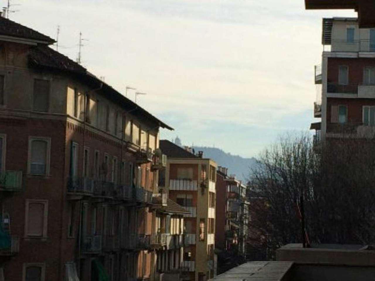 Bilocale Torino Via Lauro Rossi 8