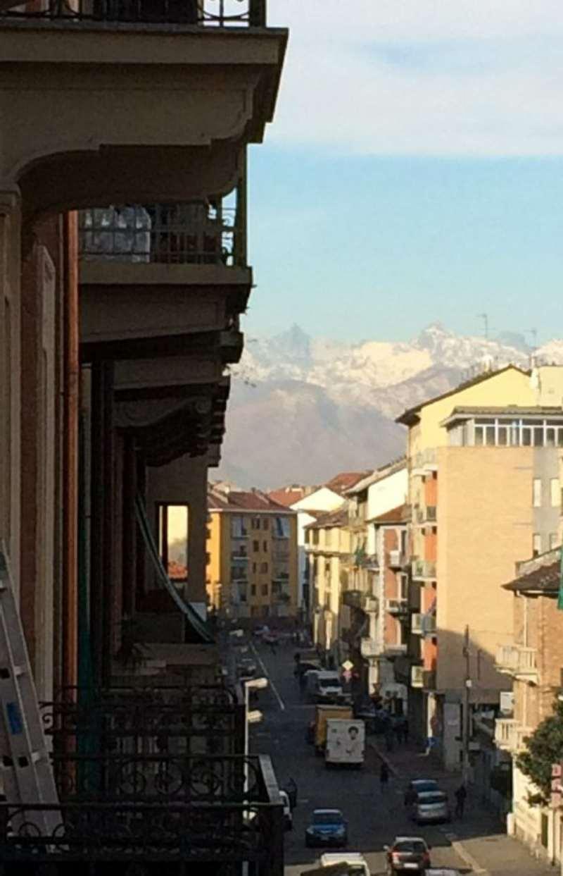 Bilocale Torino Via Lauro Rossi 9