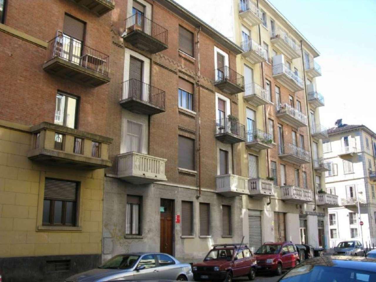 Bilocale Torino Via Porporati 1