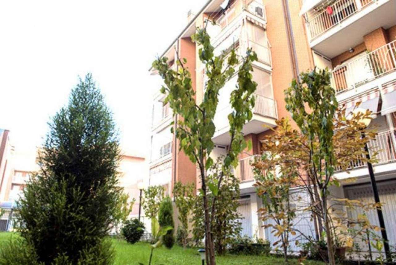 Bilocale Torino Via Alagna 1