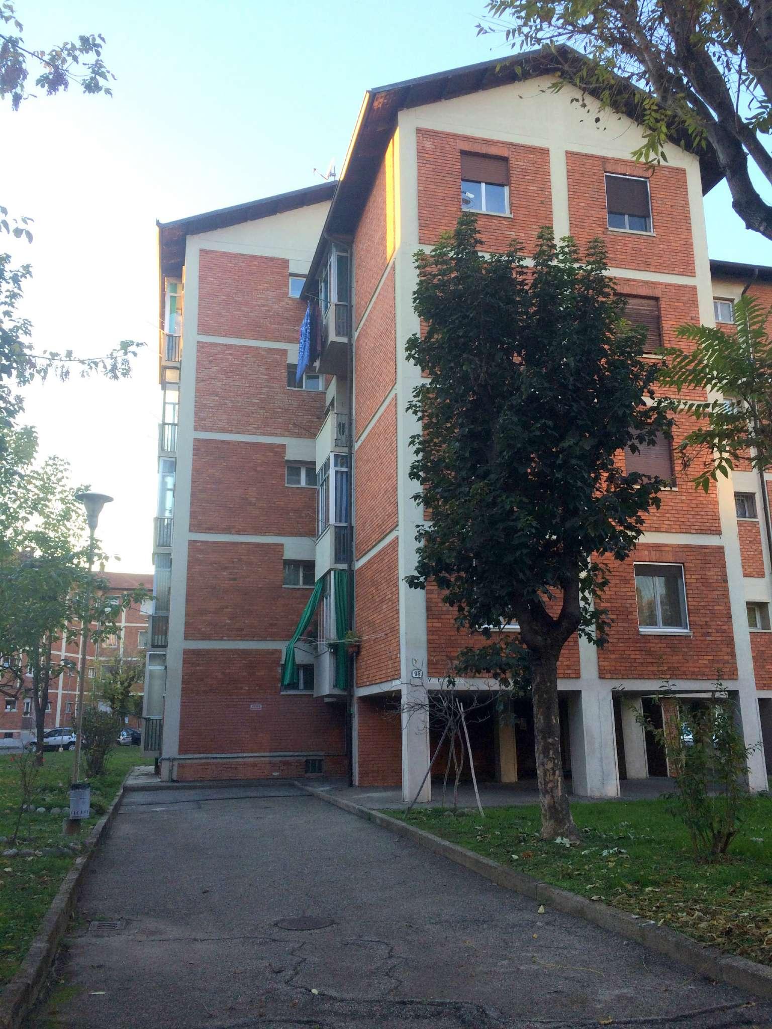 Bilocale Torino Via Parenzo 1