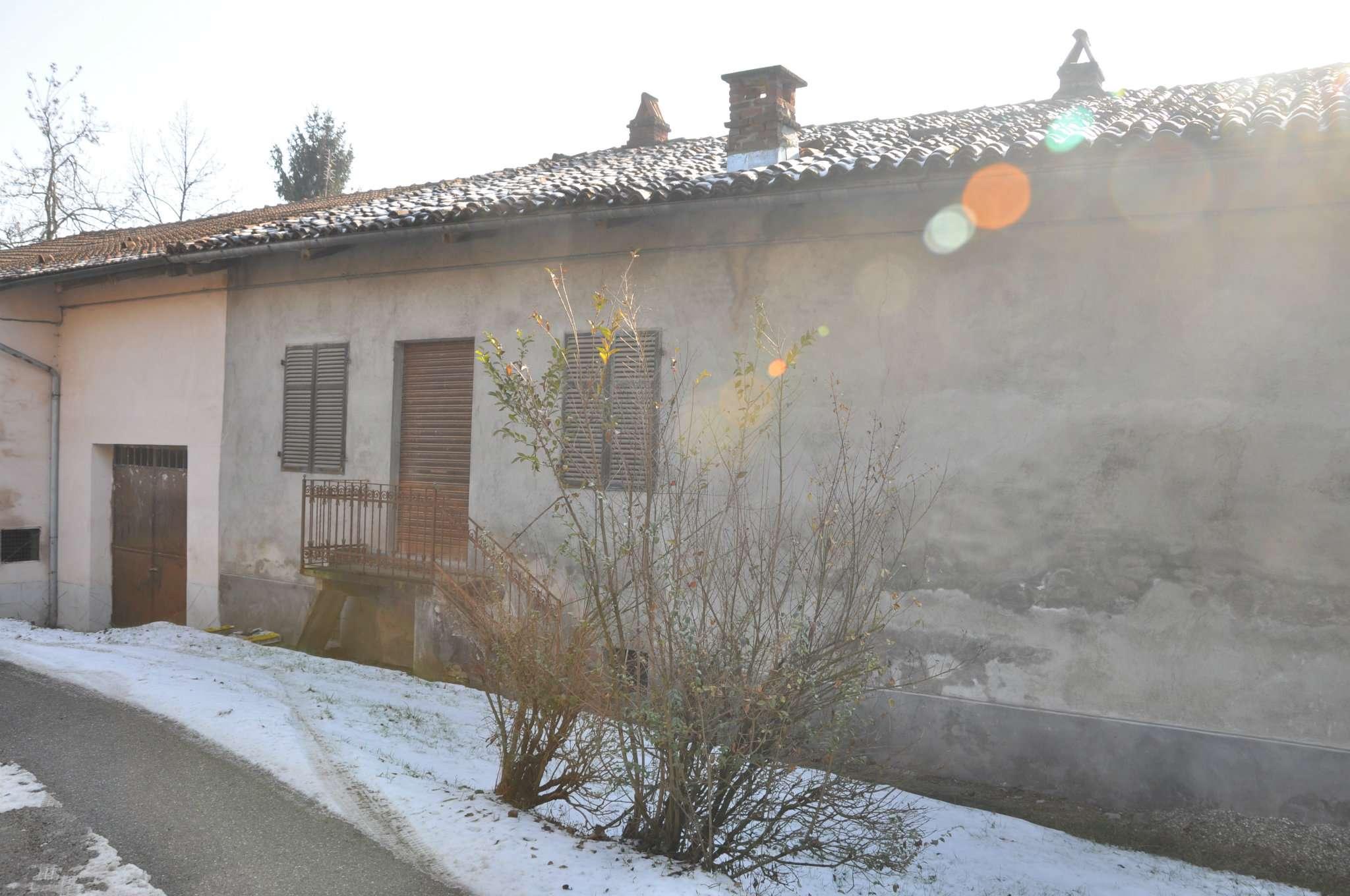 Rustico / Casale in vendita a Cinzano, 9999 locali, prezzo € 400.000 | Cambio Casa.it