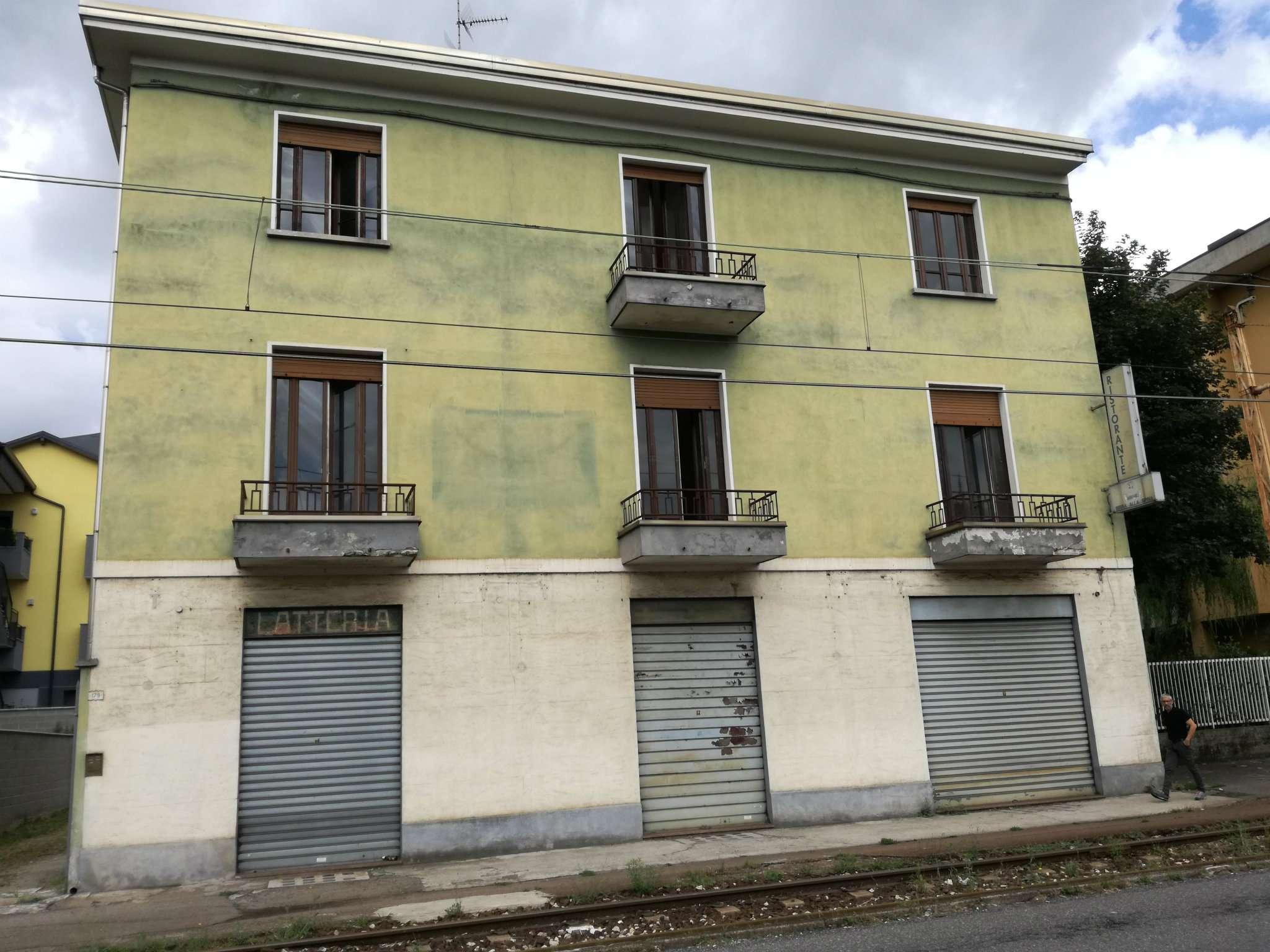 Palazzo / Stabile in vendita a Cormano, 11 locali, prezzo € 410.000   CambioCasa.it