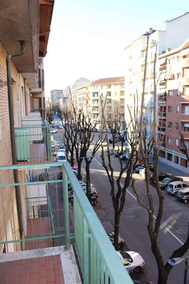 Bilocale Torino Via Breglio 10