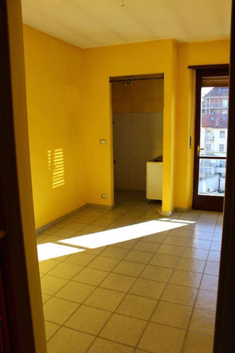 Bilocale Torino Via Breglio 1