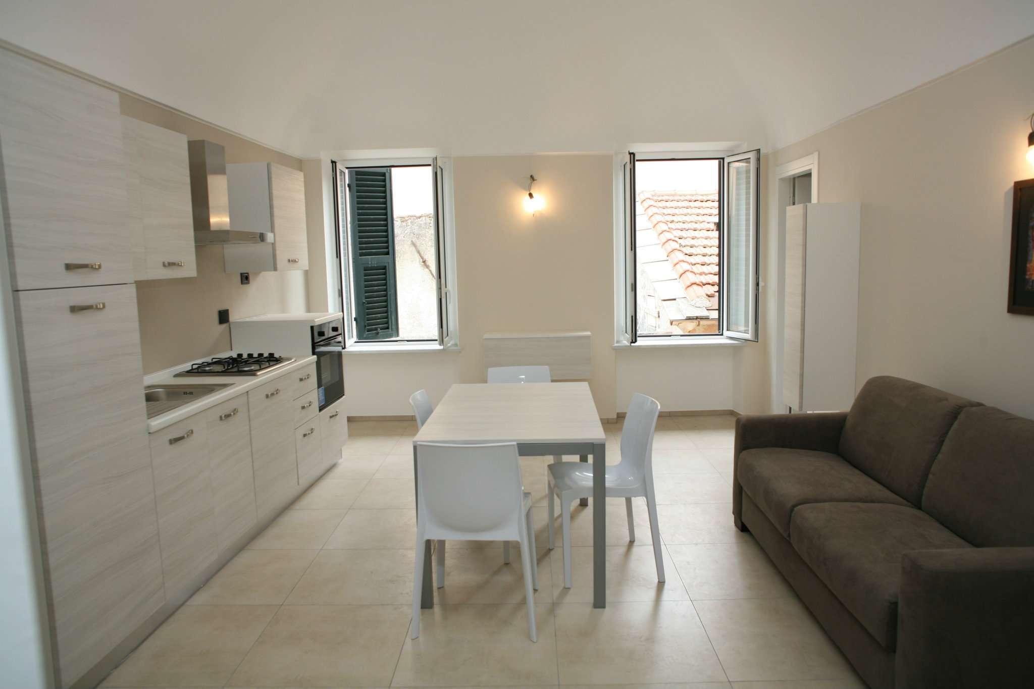 Appartamento in vendita a Ceriale, 2 locali, prezzo € 219.000 | CambioCasa.it