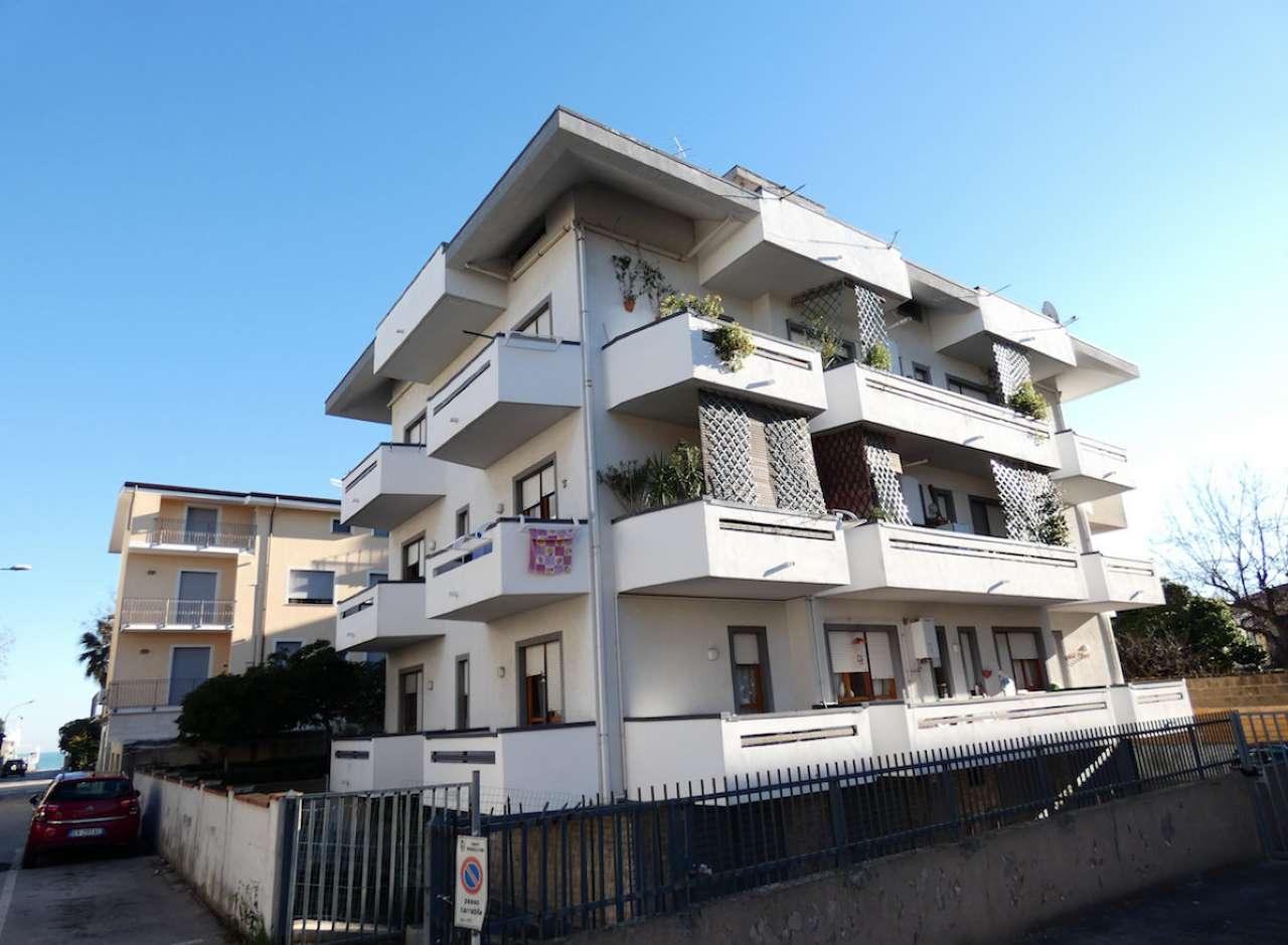 Foto 1 di Trilocale viale Viale Alcione 103, Francavilla Al Mare