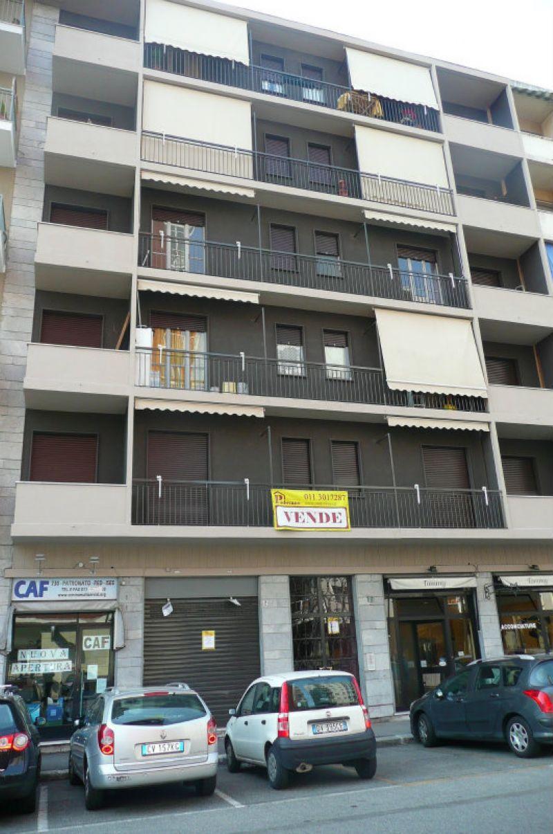 Bilocale Torino Via Giovanni Zambelli 4