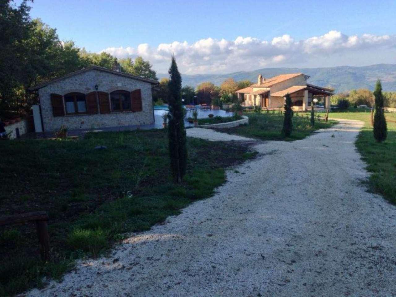 Soluzione Indipendente in vendita a Todi, 5 locali, prezzo € 680.000 | Cambio Casa.it