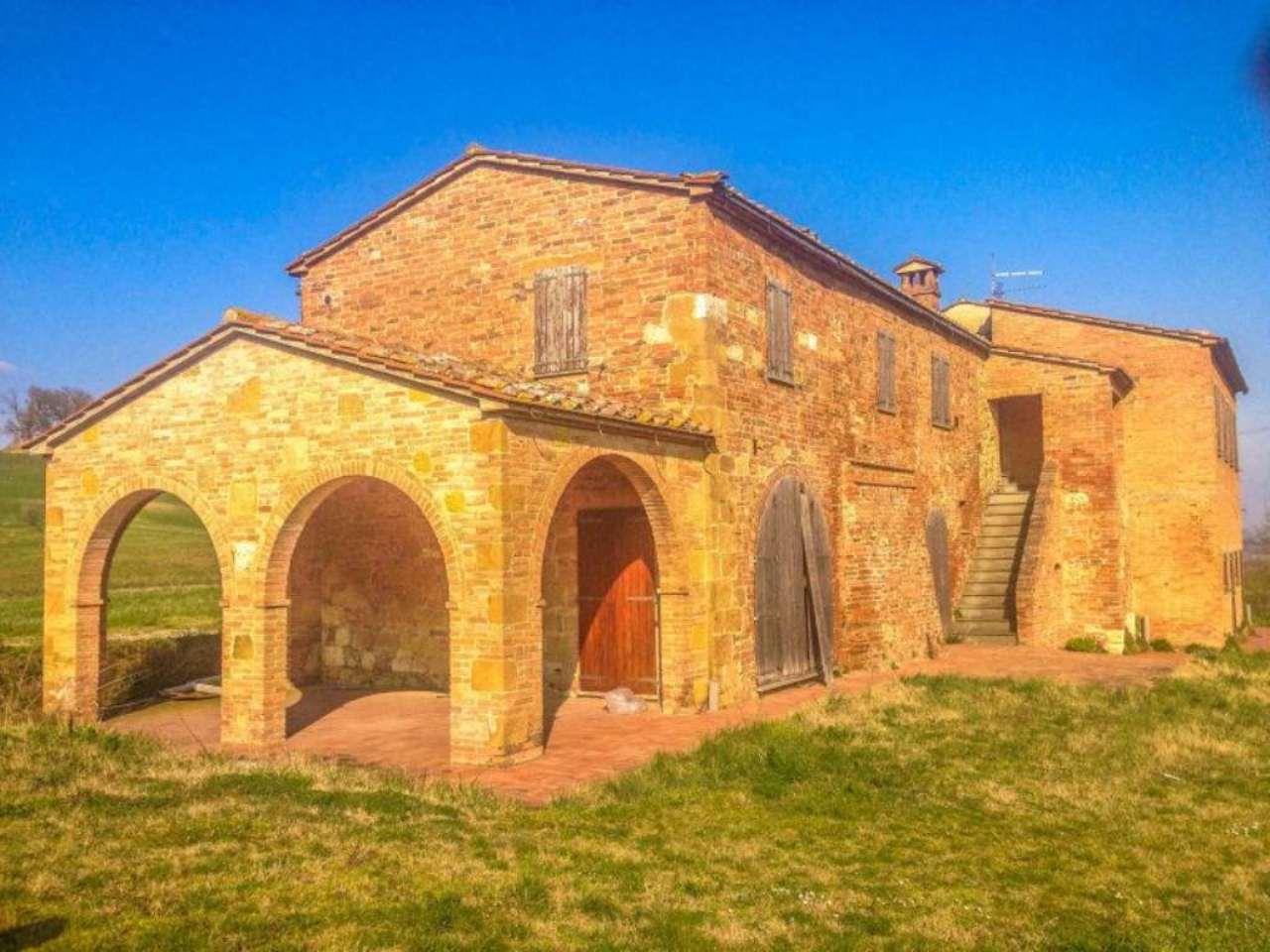Rustico / Casale in vendita a Chianciano Terme, 7 locali, prezzo € 900.000   Cambio Casa.it