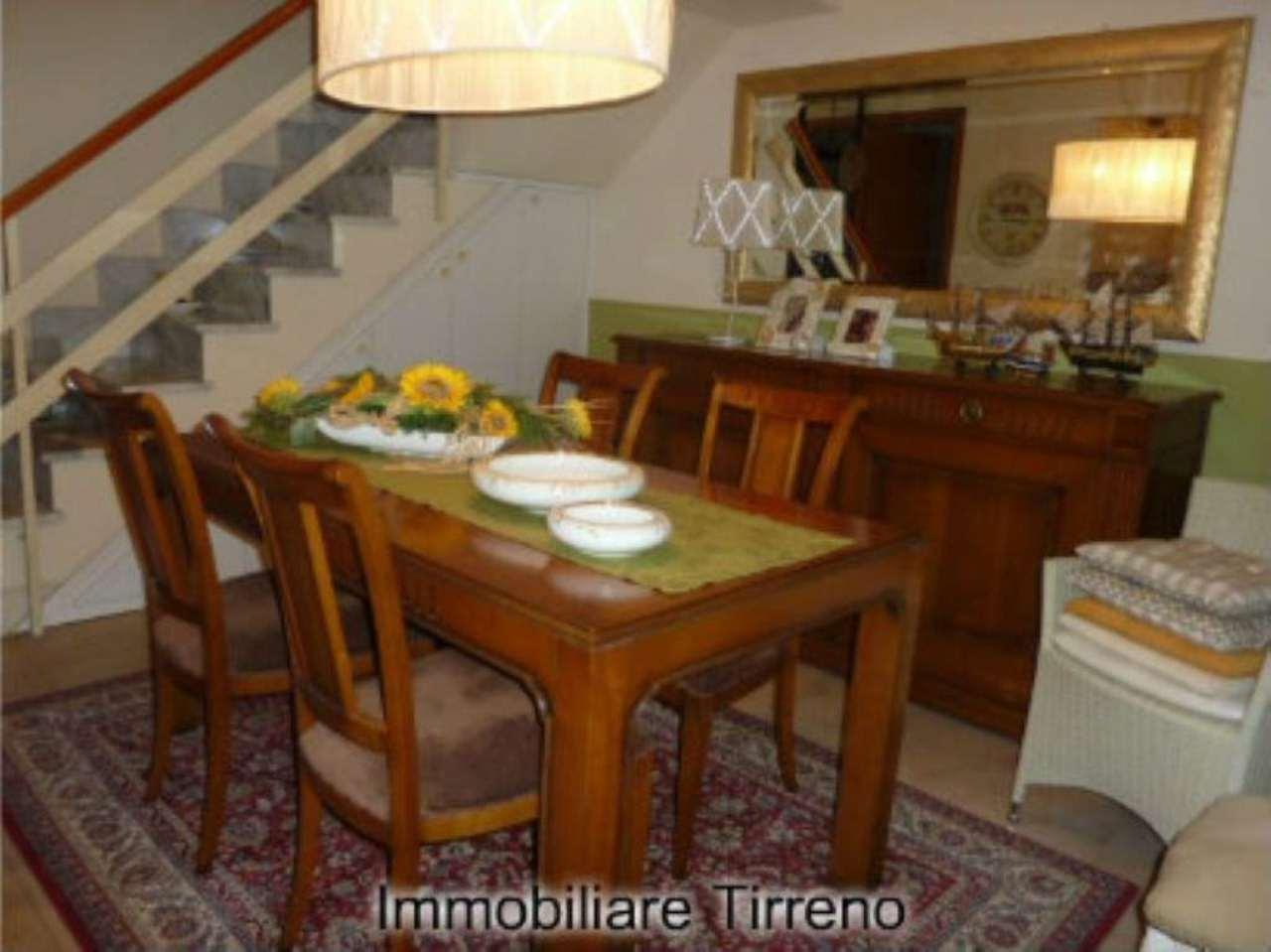 Palazzo / Stabile in vendita a Massa, 5 locali, prezzo € 280.000 | Cambio Casa.it